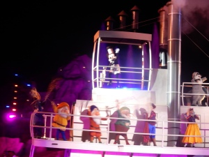 Steamboat Willie in the Fantasmic Show!